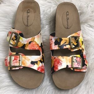 CL by Laundry floral slides